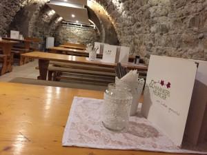 unser gemütliches Gewölbe - urige Atmosphäre im original Weinkeller der Familie Taferner